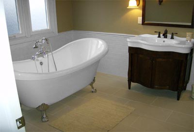 extra large clawfoot tub.  Baths of Distinction clawfoot tubs and freestanding bathtubs