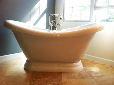 freestanding tub with jets.  Baths of Distinction clawfoot tubs and freestanding bathtubs