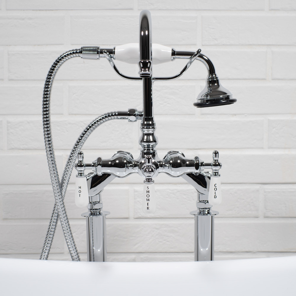 Free Standing Edwardian Clawfoot Tub Filler in Chrome